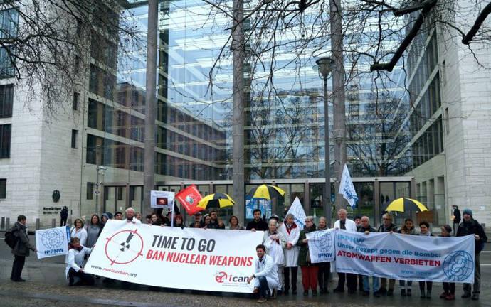 Hora de marchar: por la prohibición del armamento nuclear