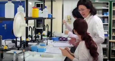 El Gobierno discrimina a las investigadoras que cogen baja por maternidad si quieren ser profesoras o catedráticas