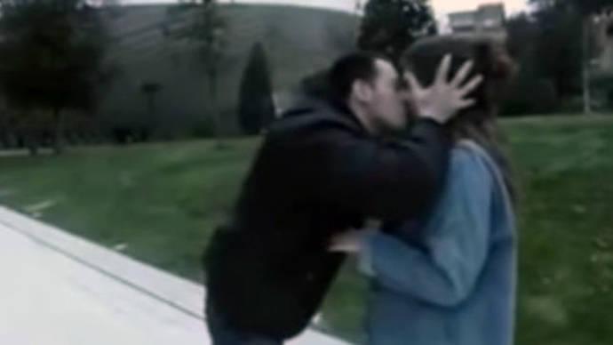 Imputado por abuso sexual un youtuber que besaba a chicas sin su consentimiento
