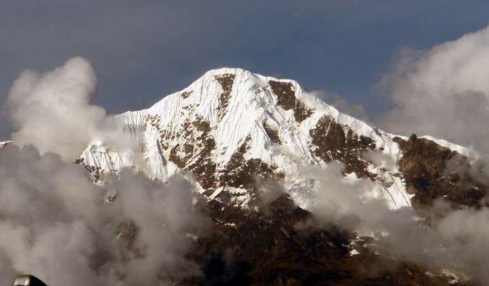 Nevado Salkantay sin nubes