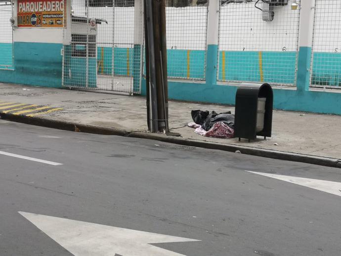 Coronavirus en Ecuador: ¿Por qué hay cadáveres abandonados en las calles de Guayaquil?