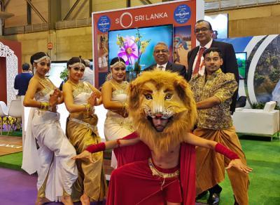 Buddhi K. Athauda, embajador de Sri Lanka y Sajith Wijenayake, manager de Aitken Spence Travels