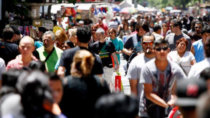 """CHILE: El mito de la """"Clase Media"""": ¿De quiénes están hablando el Gobierno y las fuerzas políticas?"""