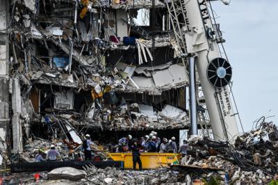Hallan más cuerpos en escombros de edificio derrumbado en Florida
