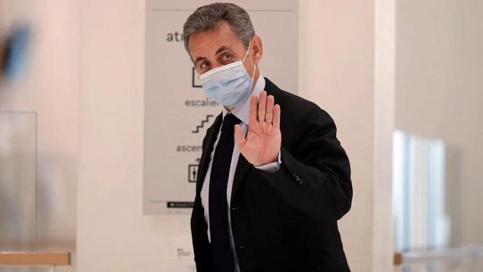 El expresidente Nicolas Sarkozy ha sido condenado a tres años de prisión