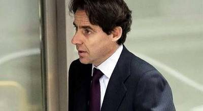 Reabierta la investigación contra López Madrid por acoso a la doctora Pinto