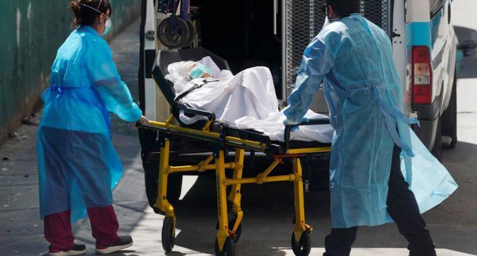 España supera las 10.000 muertes por coronavirus y registra su cifra máxima de 950 fallecidos en un día