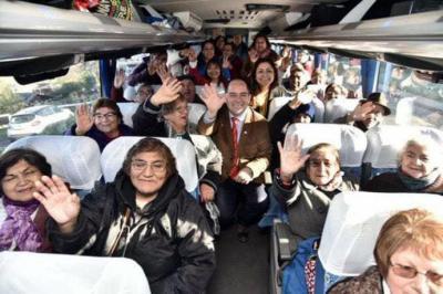 Más de mil adultos mayores disfrutarán del programa Vacaciones Tercera Edad en la Región de Los Ríos