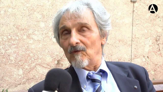 Roberto Alifano dialoga con Alejandro Vaccaro sobre Borges, Neruda y Silvina Ocampo en la AEAE
