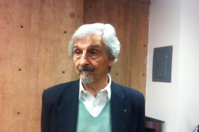 """Roberto Alifano escribe el """"Homepage, primera página o portada de un sitio web, en sus """"Ciber Poemas"""""""