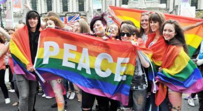 """Irlanda del Norte """"indulta"""" a miles de homosexuales condenados en el pasado"""