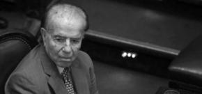 Expresidente argentino Menem es hospitalizado dos días después de recibir alta