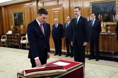 Toma de posesión de Pedro Sánchez en el Palacio de la Zarzuela. CASA REAL