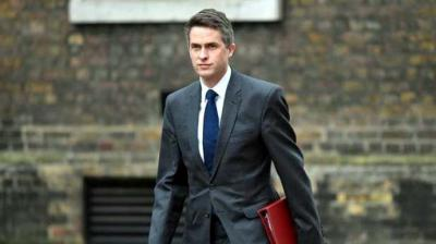 May destituye al ministro británico de Defensa, Gavin Williamson
