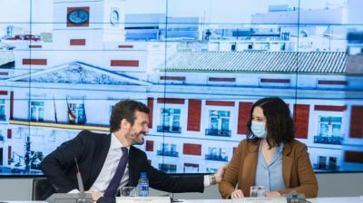 Pablo Casado e Isabel Díaz Ayuso, antes del inicio de la campaña electoral.PP