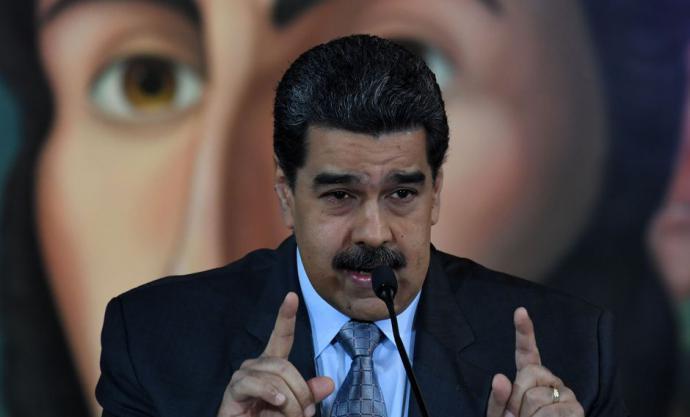 Nicolás Maduroplanteó este martes la posibilidad de instalar huertos y gallineros en las escuelas deVenezuela