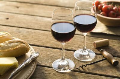 Beneficios del consumo de vino para el desempeño de los deportistas