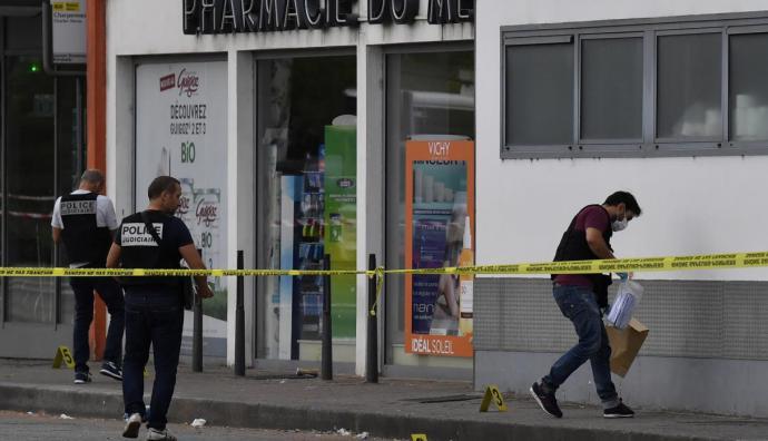 Confusión por el ataque con cuchillo que dejó un muerto y nueve heridos en Francia