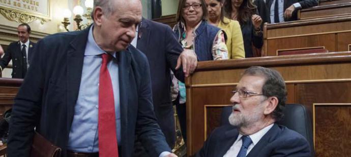Fernández Díaz (i) y Rajoy