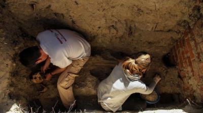 Primera exhumación con garantías técnicas realizada en la Comunidad de Madrid, en el cementerio de Arganda, efectuada por la ARMH en 2014Óscar Rodríguez