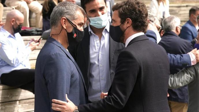 Toni Cantó y Pablo Casado, este miércoles, durante la presentación de la candidatura de Ayuso.Tarek / PP