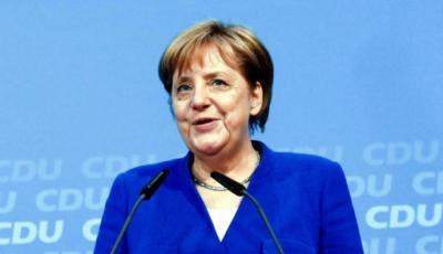 Angela Merkel logró un acuerdo para poner fin a la disputa por inmigración en la coalición de gobierno.