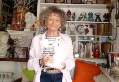 Rosa Serra, la Gran Dama de la Escultura con taller en Olot celebra 50 años de su arte