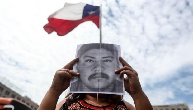 Gobierno de Chile respalda a Carabineros tras nueva versión sobre muerte de mapuche