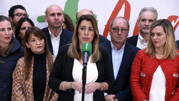 El hundimiento en Andalucía reaviva la batalla interna del PSOE