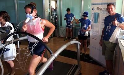 El agua ionizada mejora la recuperación muscular de los atletas