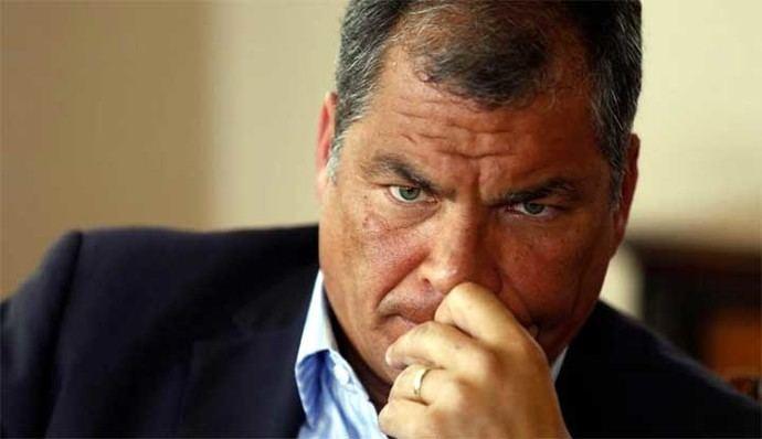 Ecuador vota en referéndum que podría alejar del poder a Rafael Correa.