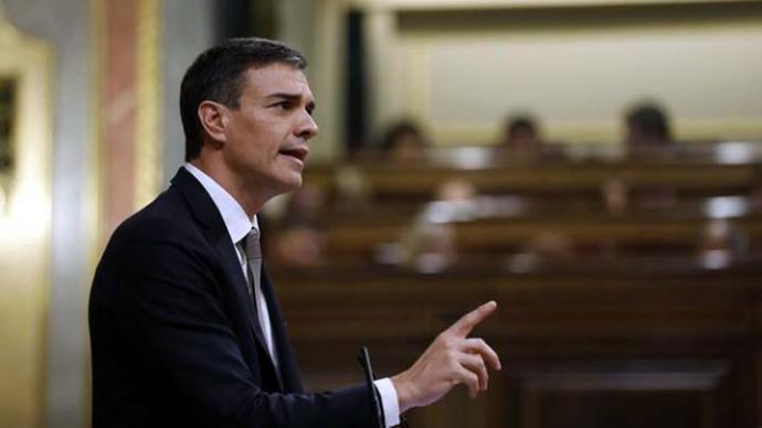 Pedro Sánchez encara un laberinto de trámites y pactos para revertir las políticas del PP