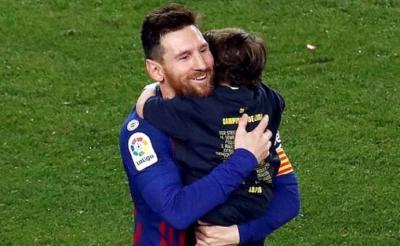 Leo Messi, celebra con su hijo el título de Liga