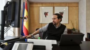 El vicepresidente segundo del Gobierno, Pablo Iglesias, mantiene una reunión telemática con el presidente del Parlamento Europeo, David Sassoli.DANI GAGO/VICEPRESIDENCIA SEGUNDA DEL GOBIERNO