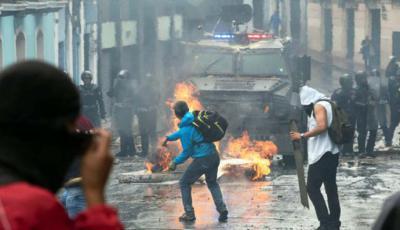 En Ecuador se paralizan los transportistas por altos costos de combustibles