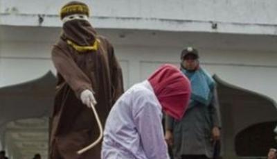 En Malasia dos mujeres fueron azotadas por tratar de tener relaciones homosexuales (Foto de referencia)