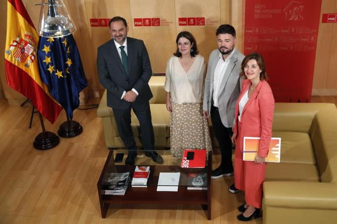 Rufián (ERC) ve 'nefasto' que el PSOE niegue en su programa el referéndum, pero no impediría investir a Sánchez