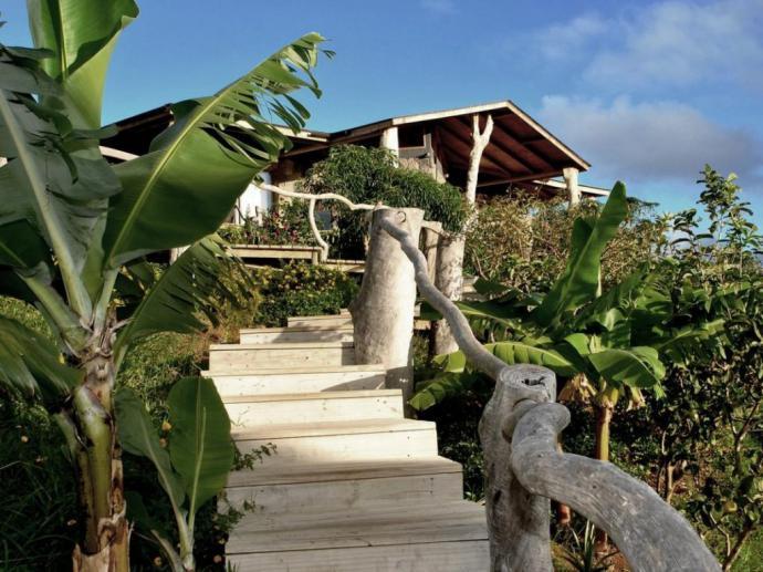 Sernatur y Corfo potencian el turismo en Rapa Nui a través de entrega de sellos Q