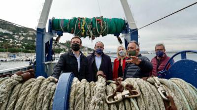 Pablo Casado, este viernes, en el puerto pesquero de RosesDavid Mudarra / PP