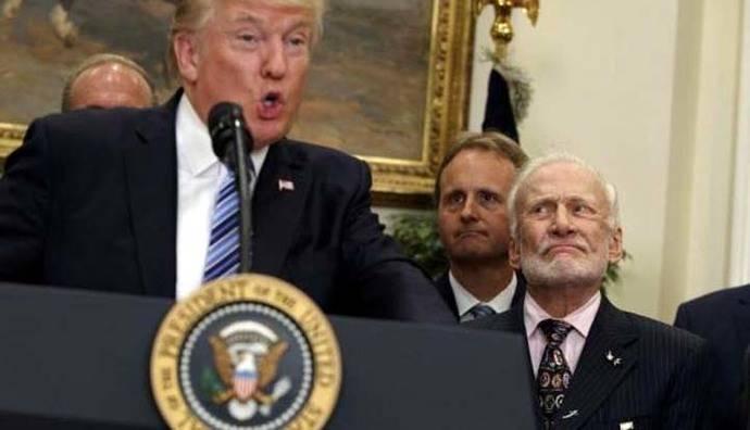 Los gestos de desconcierto de Buzz Aldrin por el discurso de Trump sobre el espacio