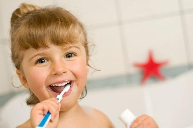 ¿Cuándo debe comenzar un niño a ir al dentista?