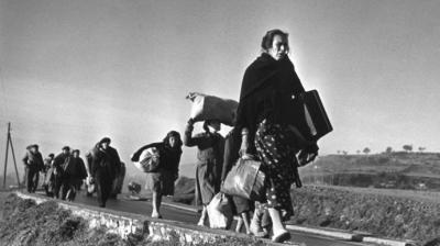 Republicanos marchando al exilio con sus maletas de cartón… (imagen de referencia)