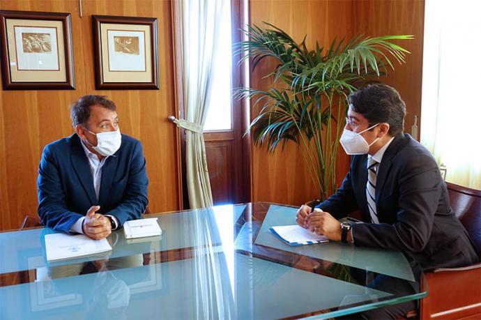 Acuerdo entre el Ayuntamiento y el Cabildo de Santa Cruz de Tenerife