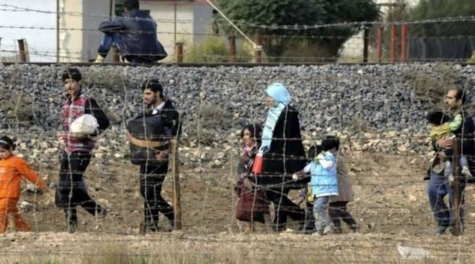 Medio millar de refugiados llegaron a las islas griegas durante fin de semana