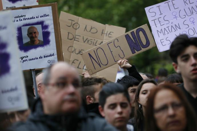 """La condena en contra de """"La Manada"""" causó gran rechazo en ampñlios sectores de la opinión pública española."""
