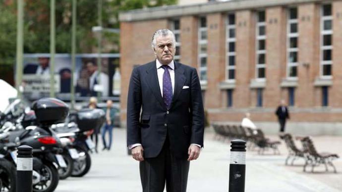 El juez de la caja B esperará 'al resultado de la investigación' para decidir si cita a Cospedal y su marido