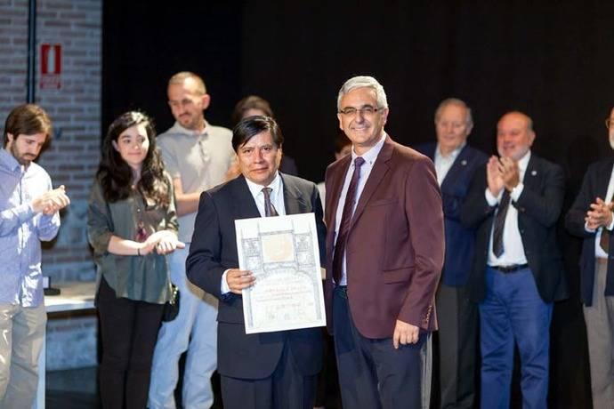 Leovigildo Cristóbal, galardonado con el premio Tritona en el Salón de Otoño en Madrid