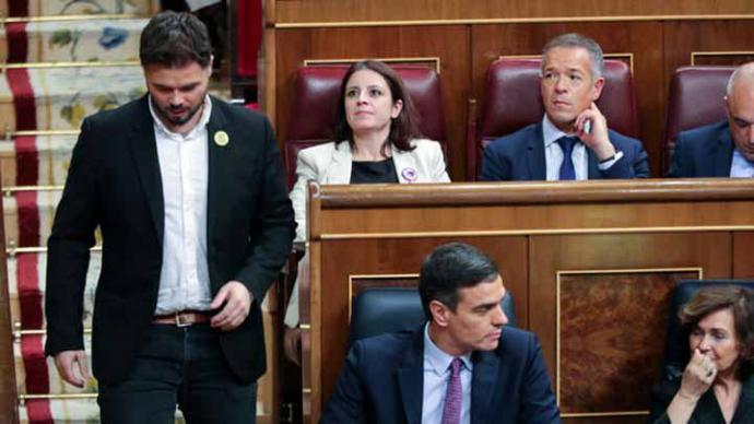 La izquierda contiene la respiración ante 48 horas de infarto hasta que Sánchez sea investido