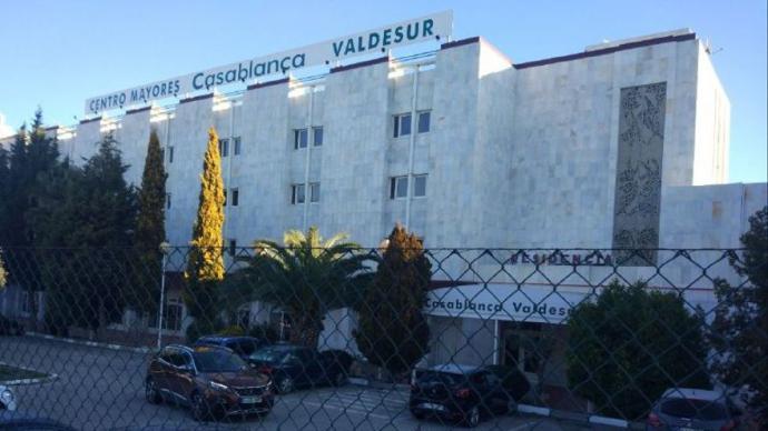 Fachada de la residencia Casablanca ValdesurL.G.