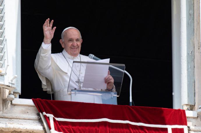 El papa está 'en buen estado' tras operación del colon y permanecerá internado 7 días